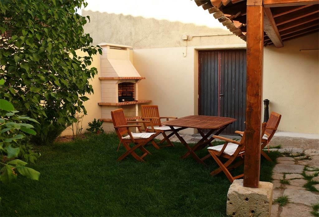 Jardin-barbacoa-Casa rural-
